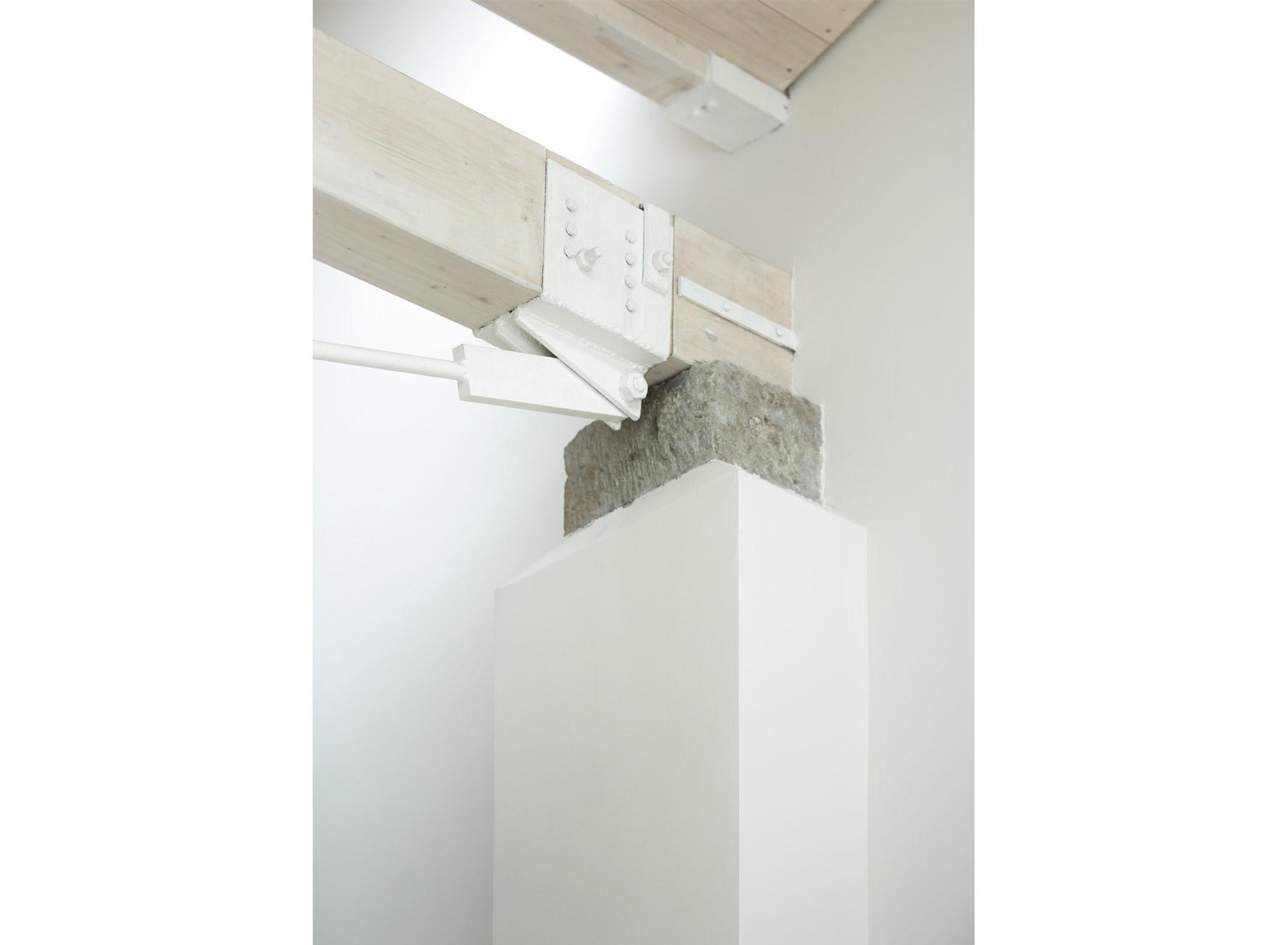 truss support, photo: Jan Rothstein
