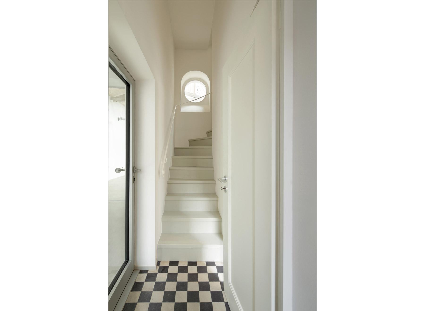 stairway, photo: Jan Rothstein